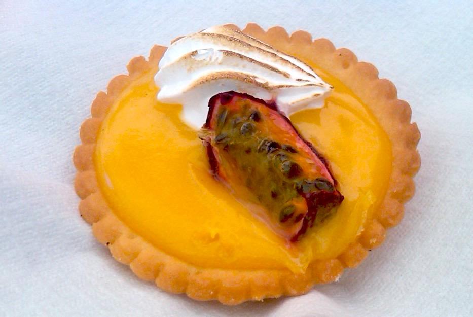 Passionfruit tarte